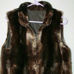 Jackets & Blazers - Womens Outerwear Vest Size L Faux Fur Interior
